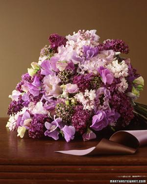 Purple-Lilac-Sweet-Pea-Bouquet