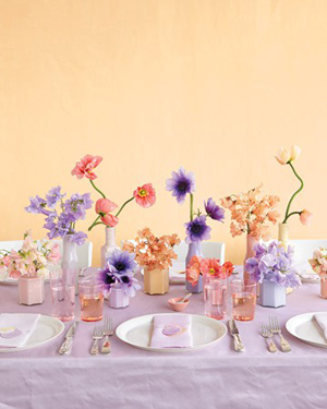 Sunset-Colored-Sweet-Pea-Wedding-Bouquets