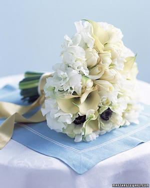White-Sweet-Pea-Anemone-Calla-Bouquet
