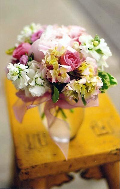 sweet-pea-arrangement