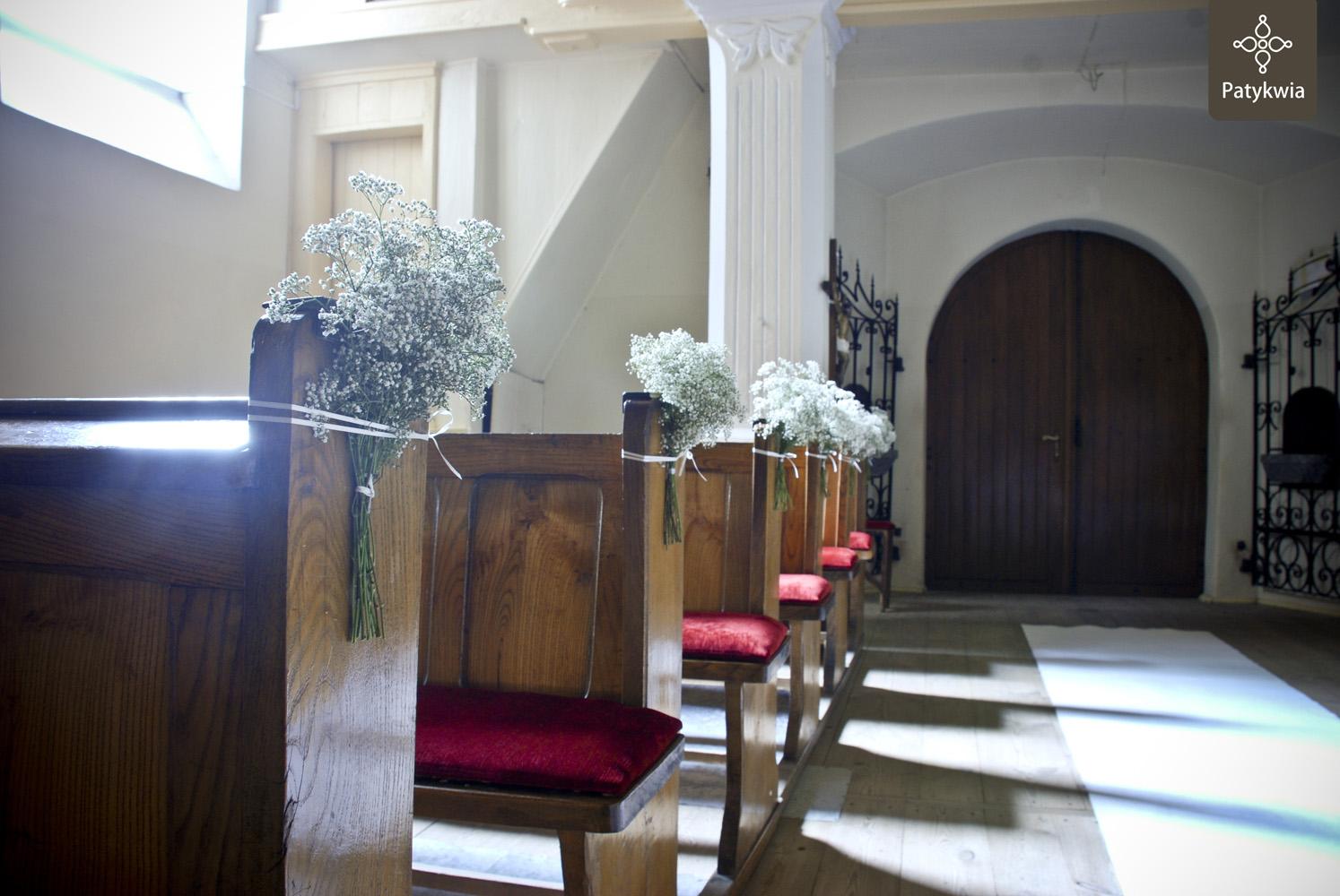 dekoracja kościoła gipsówka